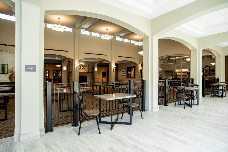 The Vista dining area.